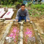 Pak De Marmo, Saat Mengunjungi Makam Mbah Di Girikerto Sine